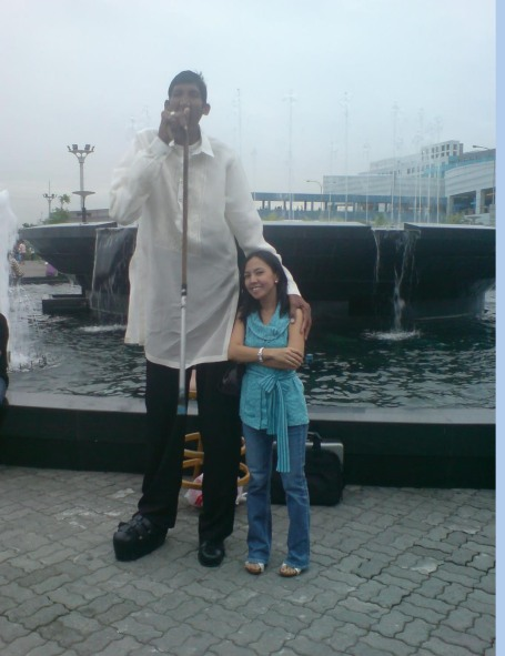 With Nasser Sumro, world's second tallest man.