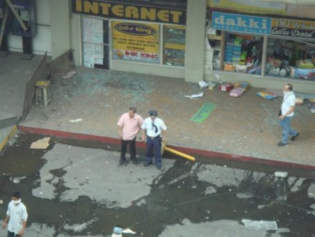 This is Glorietta 1 minutes after the bombing in 2007